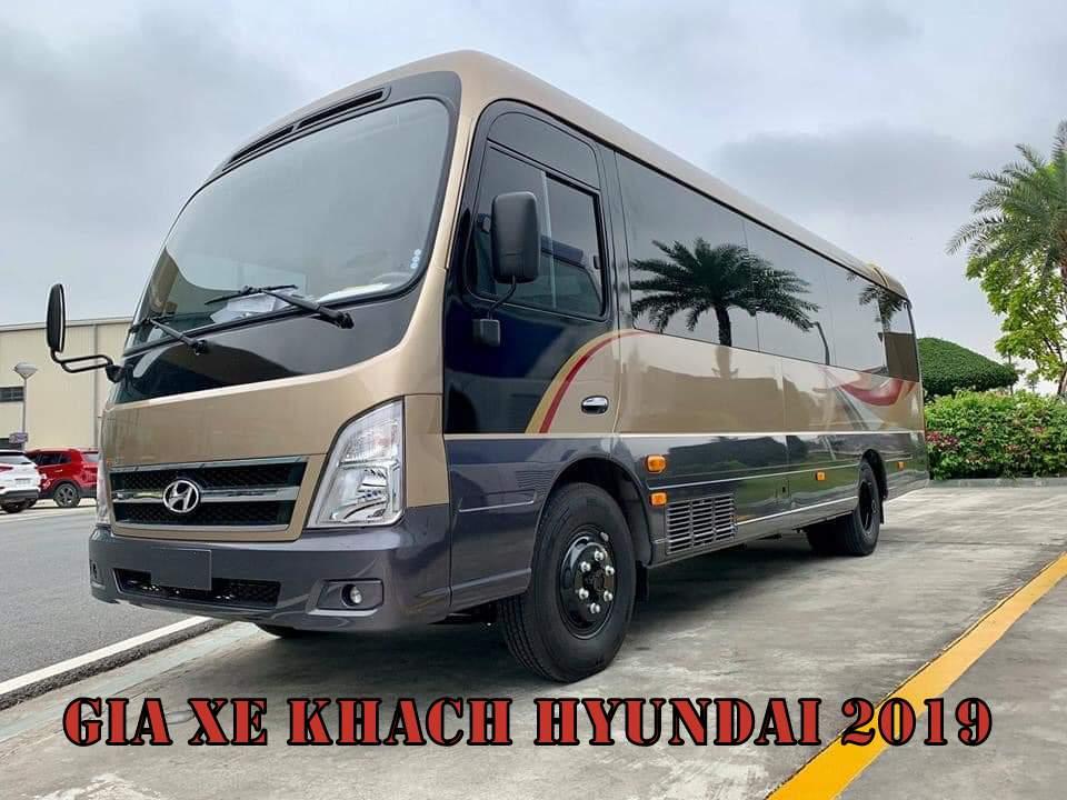 Giá xe khách Hyundai 2019